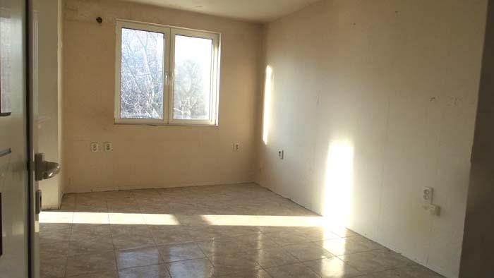 Тристаен апартамент 4